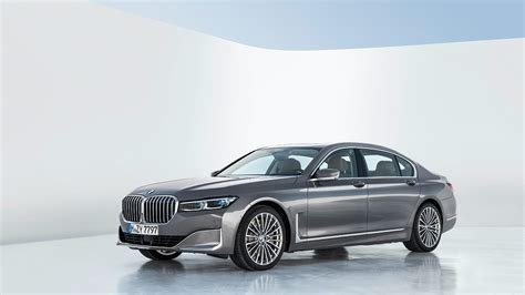 bmw  series refreshed  big power big comfort