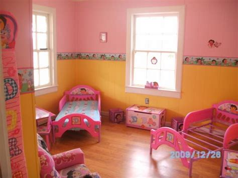 dora the explorer bedroom dora the explorer room decor