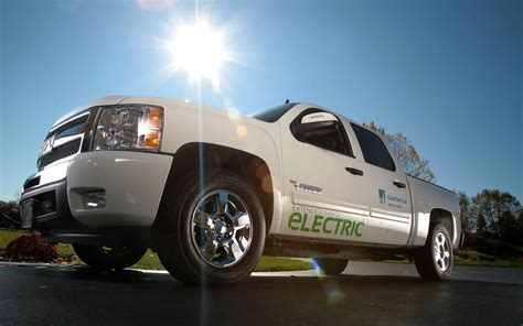 electric pickup why don t commercial plug in trucks and vans sell gas 2