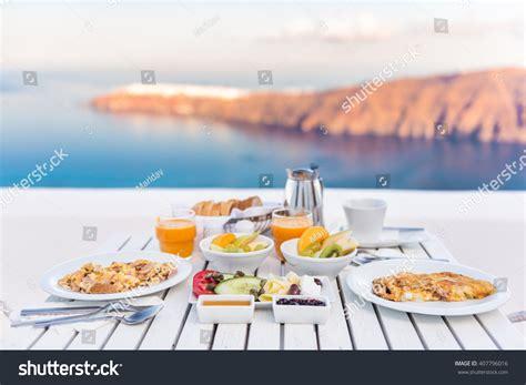 breakfast table for two breakfast table by sea 写真素材 407796016