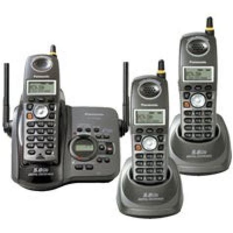 panasonic kx tg5653b 5 8 ghz cordless phone system with 3 handsets and digital answering system
