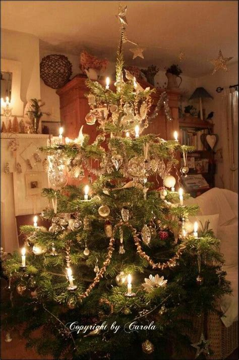 decorating a christmas tree to look old fashioned vintage tree decorations la boutique vintage