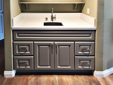 Gray Raised Panel Kitchen Cabinet   Kitchen Cabinets South