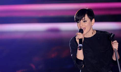 Tv Arisa arisa dai sociopatici quot portatemi all eurovision quot