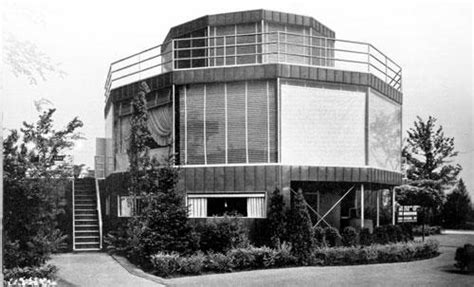 The House Of Tomorrow by The House Of Tomorrow 1933 World S Fair Home In Beverly