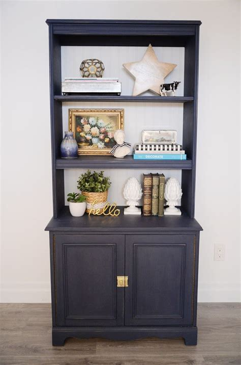 how to use chalk style paint on navy bookcase