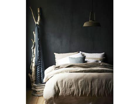 parete da letto parete da letto grigia idee per arredare la