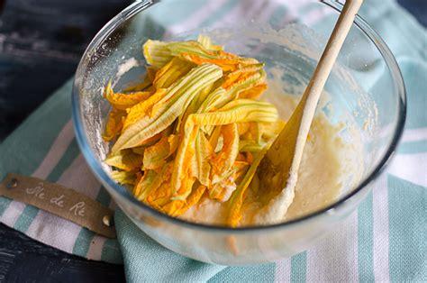 frittelle di fiori di zucchina frittelle di fiori di zucca ricetta squisita agrodolce