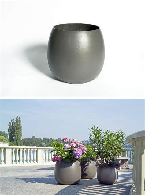 modern planter pots sumo modern barrel shaped outdoor garden design planter pot nova68 modern design