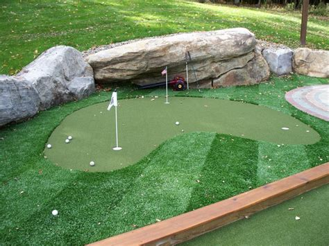 artificial backyard putting green 17 best ideas about artificial putting green on pinterest