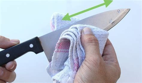 10 must knife safety tips in the kitchen 2018