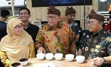 Kopi Hitam Bubuk Biji Robusta Spesial Jawa Barat kopi yang baik menurut gubernur aher teras jabar