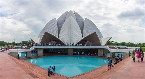 architect of lotus temple lotus temple