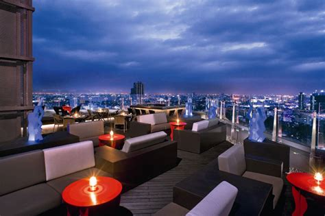 10 hotel rooftop bars around the world
