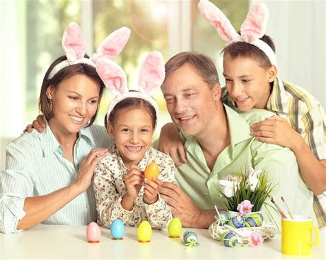 5 Adorable Families Celebrating Easter by Top Five Easter Family Events 2017 Hshire