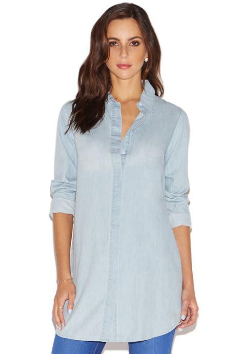 Diandra Chambray Tunic Shirt side slit chambray tunic shirt shoedazzle