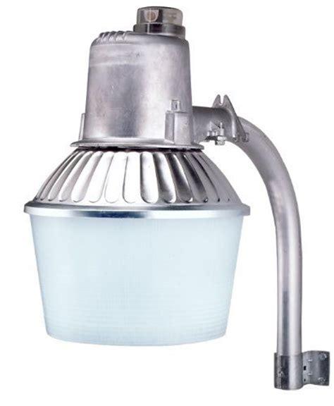 Outdoor Security Lighting Fixtures Cooper Lighting N150hnci 150 Watt High Pressure Sodium Industrial Grade Dusk To Security