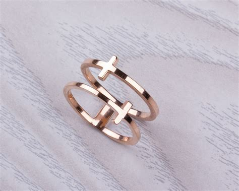 Crossed Ring gold cross ring ring cross ring