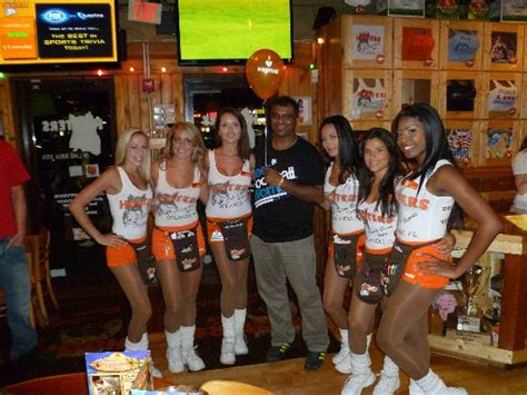 who is the girl in the central florida chrysler commercial all the hooters girls picture of hooters orlando