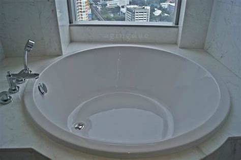 hotels with big bathtubs uk round bathtub big enough for 2 european adults picture of bangkok marriott hotel