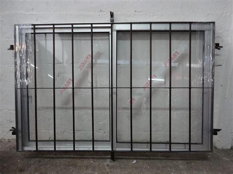 el supermercado con ventanas ventana de aluminio con reja incoorporada 3 890 00 en mercado libre