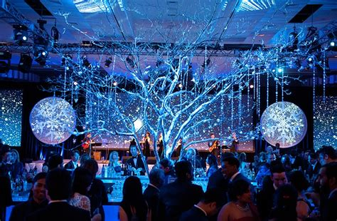 corporate holiday parties and events top reasons to hire an event planner in new york to plan corporate events