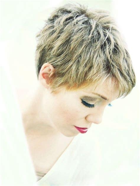 trendy short hairstyles  summer circletrest