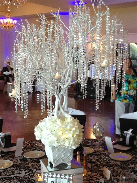 wedding decoration ideas with crystals 1001 best images about centerpieces bring on the bling