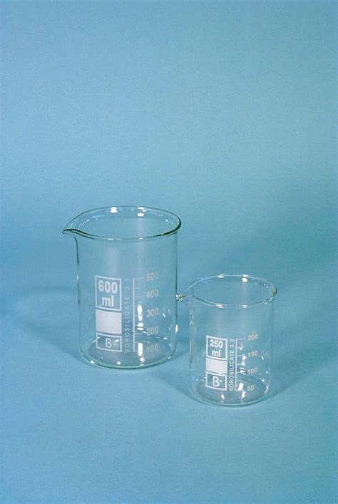 Beaker Glass 250ml beaker with spout pyrex glass squat form 250ml matest