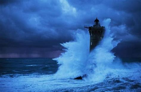 le four lighthouses vs waves barnorama