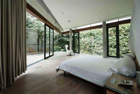 desain kamar tidur mewah minimalis modern dinding kaca