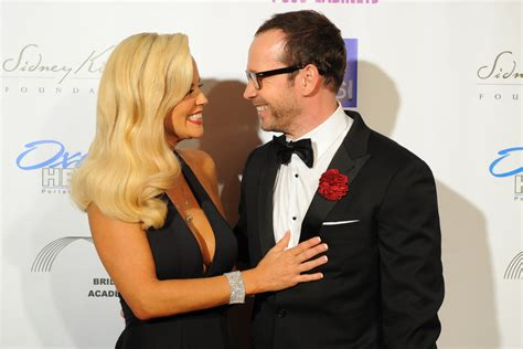 what extensions does jenni from donnie wahlberg jenny mccarthy donnie wahlberg make red carpet debut as