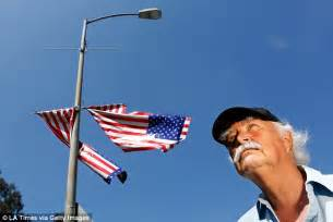 veteran explains upside down flag controversy youtube army veteran hangs flags at a veterans affairs facility