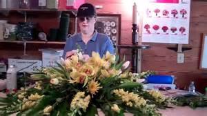 White Barn Spray A Peek Inside The Flower Barn As I Make A Casket Spray