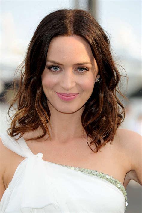 actress emily blunt hot photos celebrity english actress emily blunt hairstyle