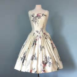 Vintage 1950s cream floral watercolor patterned polished cotton party