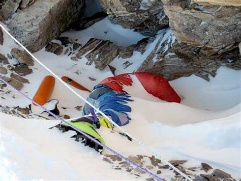 rob leiche 200 bodies on mount everest used as landmarks here