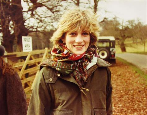 pricess margaret princess diana in unseen pictures photos reveal other