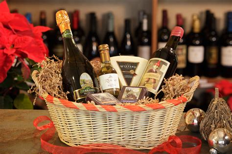 christmas gift baskets mainstreet cellars juicy wine
