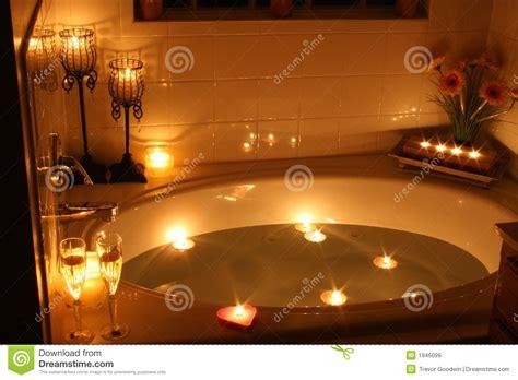 candele da bagno bagno di lume di candela immagine stock immagine di