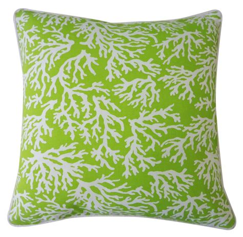7 green pillows for every patio furniture
