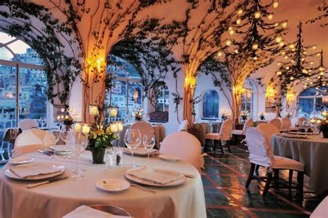 best restaurants in positano italy hotel le sirenuse charming luxury central hotel in