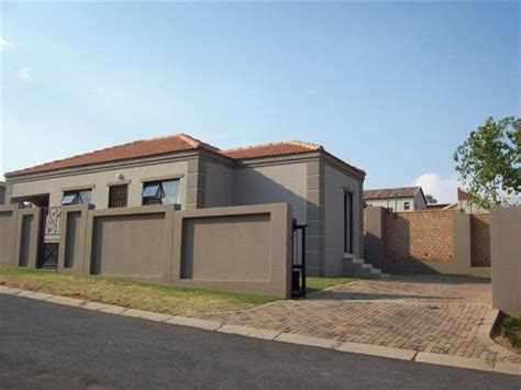 for rent clusters houses midrand mitula homes