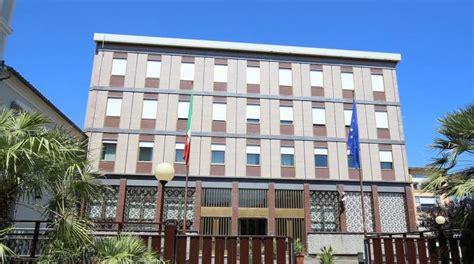 filiali della banca d italia banca d italia addio cassa e contanti ecco come cambia
