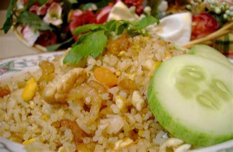 cara membuat omelet isi nasi goreng teratak impian nasi goreng telur asin