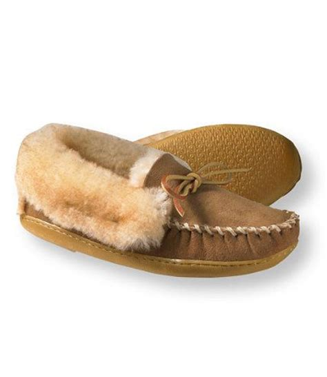ll bean mens sheepskin slippers ll bean shearling slippers 28 images ll bean s