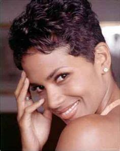Trending Today Halle Berry The Story by Gifs Halle Berry Swordfish Gif 15 Gif