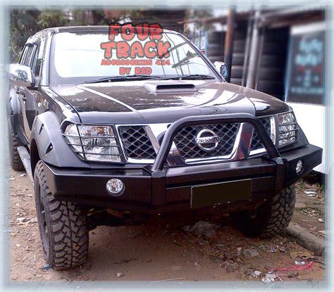 Cermin Depan Nissan Navara nissan navara bumper depan type a fourtrack accesorries 4 215 4
