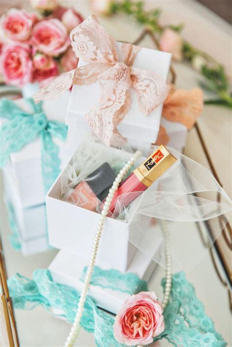 bridal shower gift ideas bridesmaid boudoir bridal shower it weddings