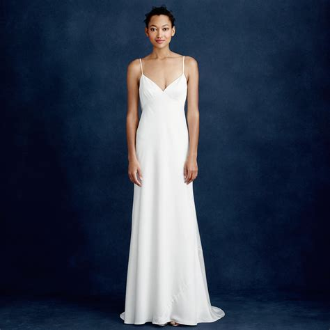 Smokin' Hot Wedding Dresses Under $500   A Practical Wedding